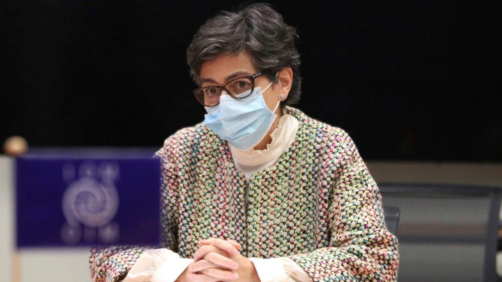 González Laya pide apoyo en Ginebra a la OIM y ACNUR para repatriar migrantes irregulares desde Canarias