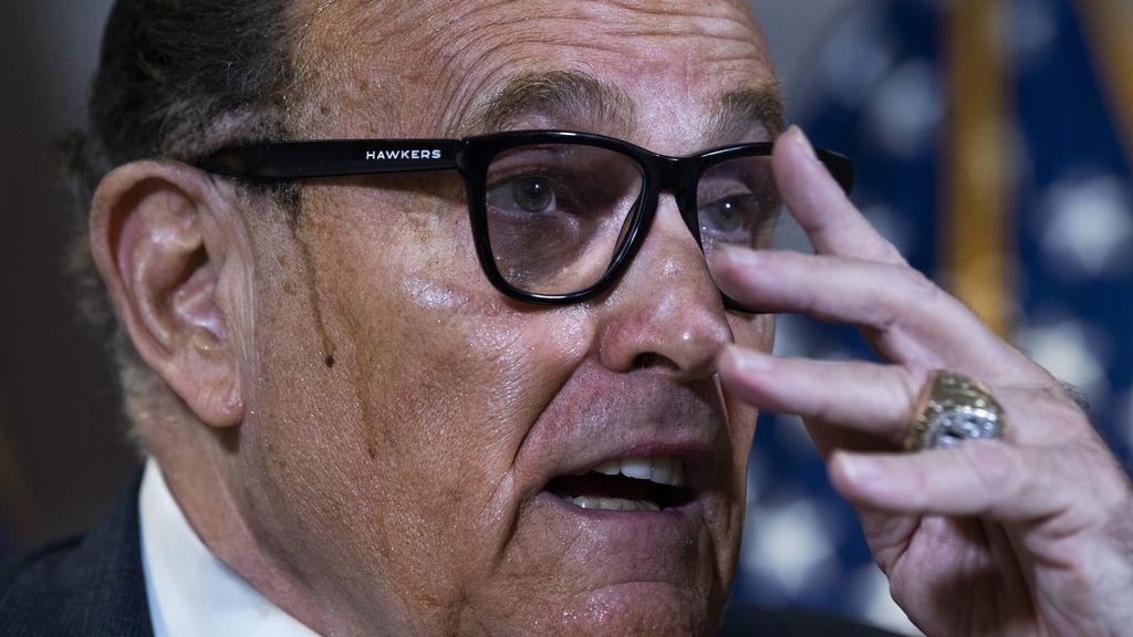 Cuidado con tu tinte: si usas espumas colorantes o 'espinas' de color te puede pasar lo que a Giuliani
