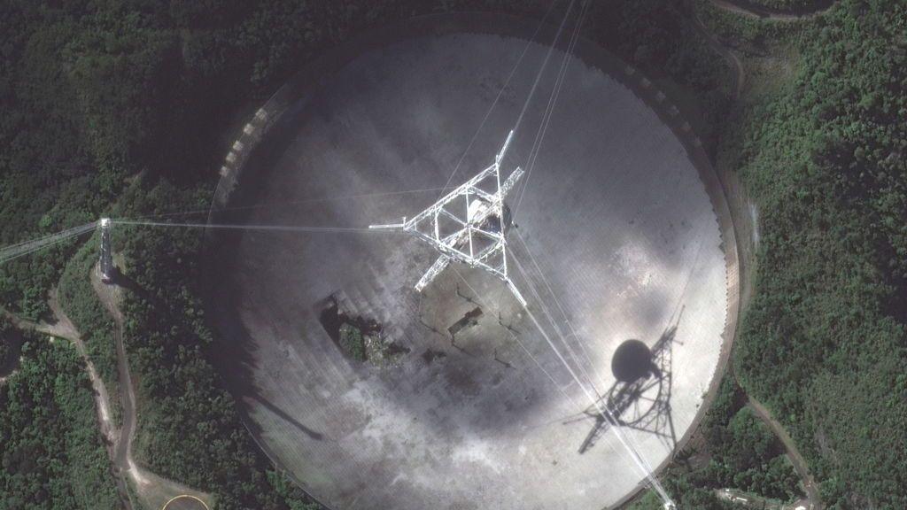 El célebre radiotelescopio de Arecibo será desmantelado tras sufrir graves daños estructurales