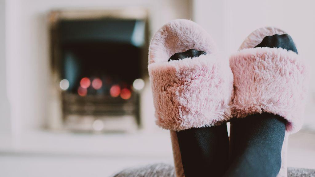 Zapatillas de estar en casa con estilo: cómodo sin renunciar al buen gusto
