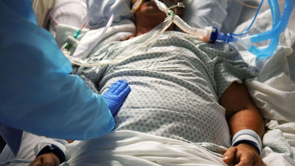 Estados Unidos se asoma al abismo de la pandemia en el peor de los momentos