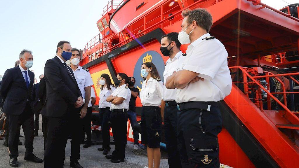 Salvamento Marítimo amplía el número de tripulantes de sus embarcaciones de rescate de inmigrantes