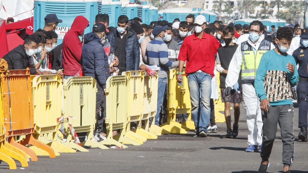 Los migrantes en el Muelle de Arguineguín bajan a 758, la menor cifra en semanas