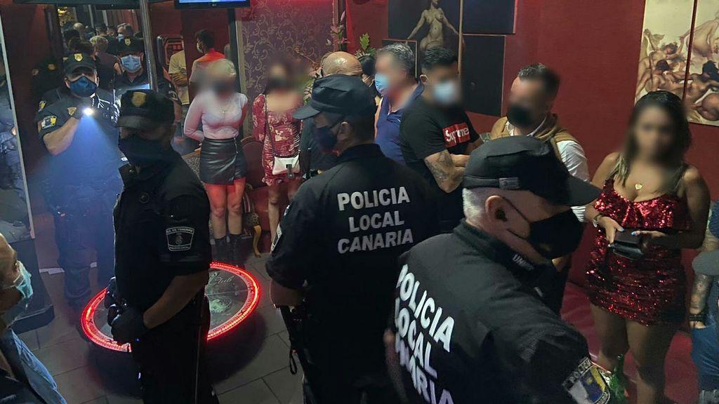 Alberto y Javi Alonso, futbolistas del Tenerife, pillados en una redada en un club de alterne e incumpliendo las medidas sanitarias