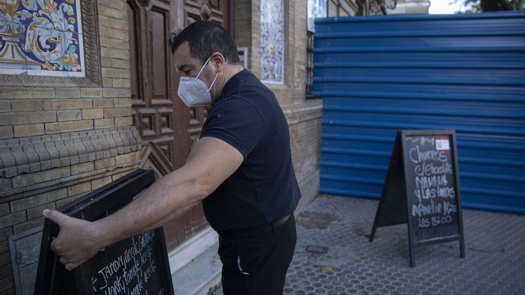 """Melilla prorroga 15 días su """"toque de queda"""" y este lunes permite reabrir la hostelería hasta las 20 horas"""