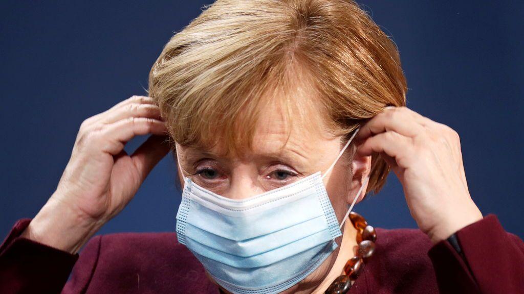 Merkel avisa a los alemanes de que se preparen para medidas más duras