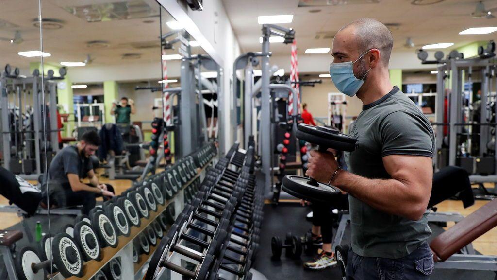 La ventilación impidió que un entrenador de gimnasio contagiara de coronavirus a 50 personas