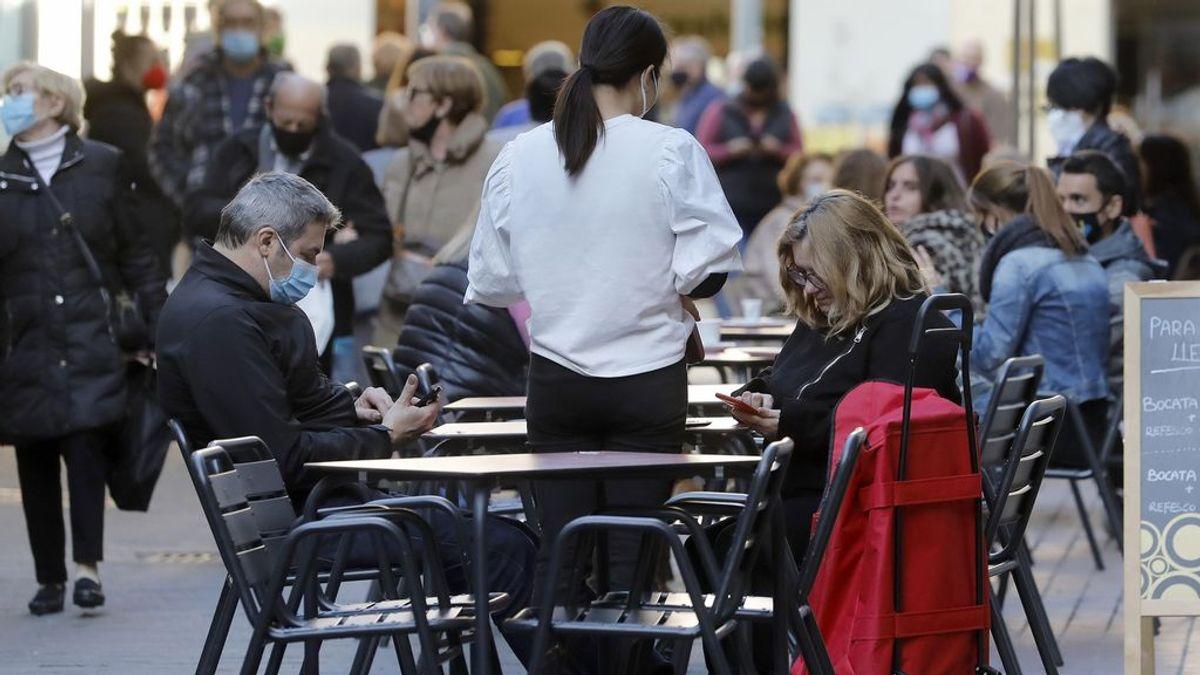 Las comunidades marcan mínimos de contagios de la segunda ola en España