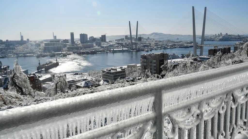 Un hombre muere congelado en plena calle en Rusia