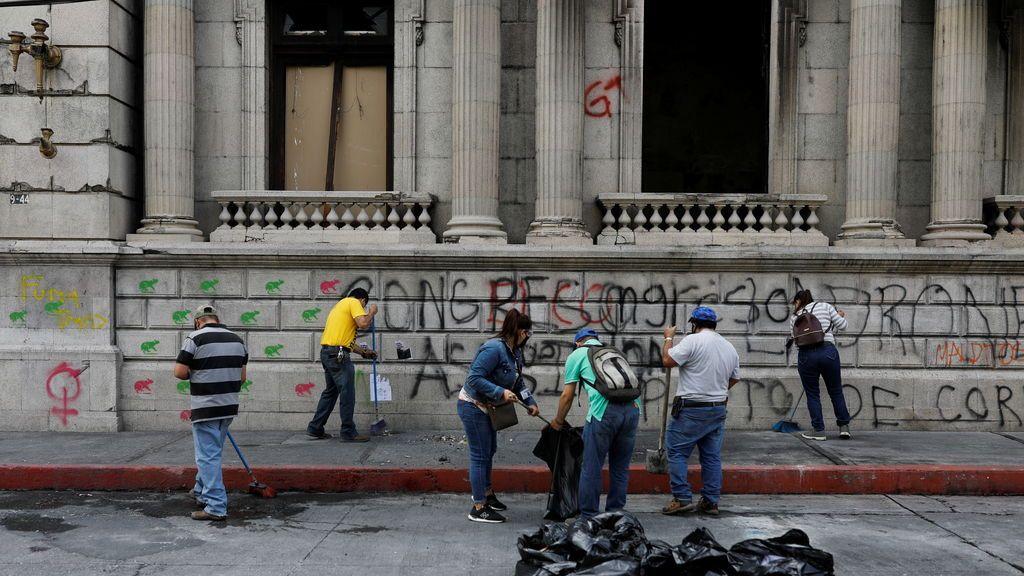El Gobierno de Guatemala pide amparo a la OEA tras el asalto al Congreso