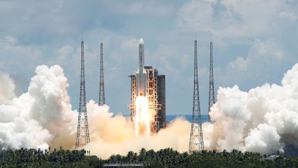 Cuenta atrás de China para lanzar la sonda Chang'e-5  y recoger muestras de la superficie lunar