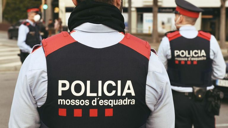 Desarticulado en Barcelona un grupo criminal que robaba coches estacionados en centros comerciales