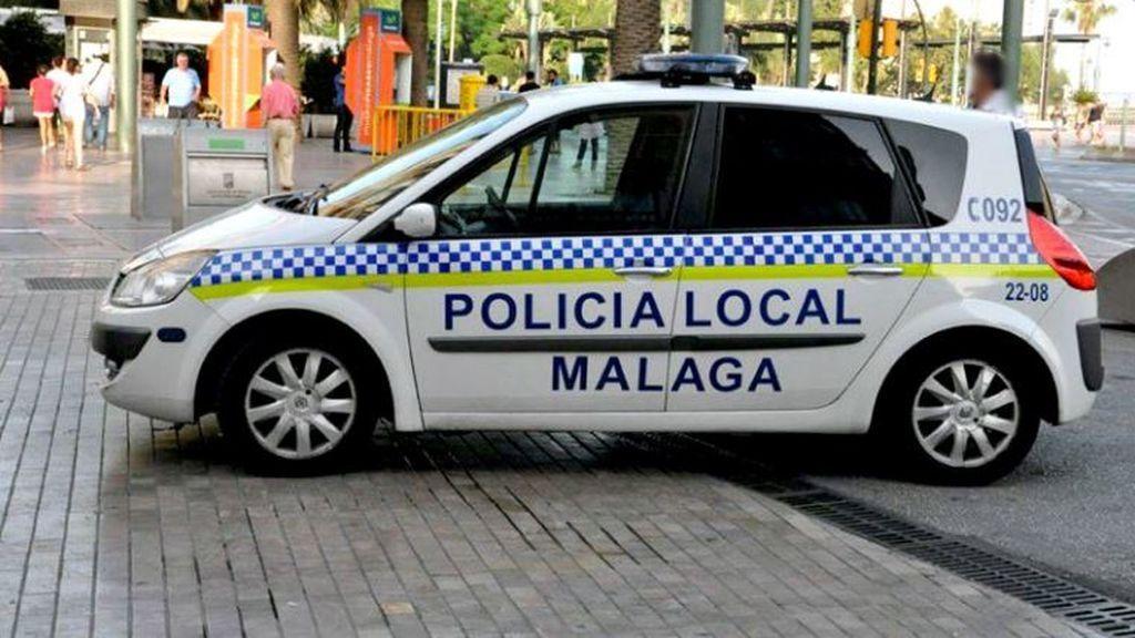 Dos agentes llevan a casa un menor por no usar la mascarilla y son recibidos a puñetazos por la familia