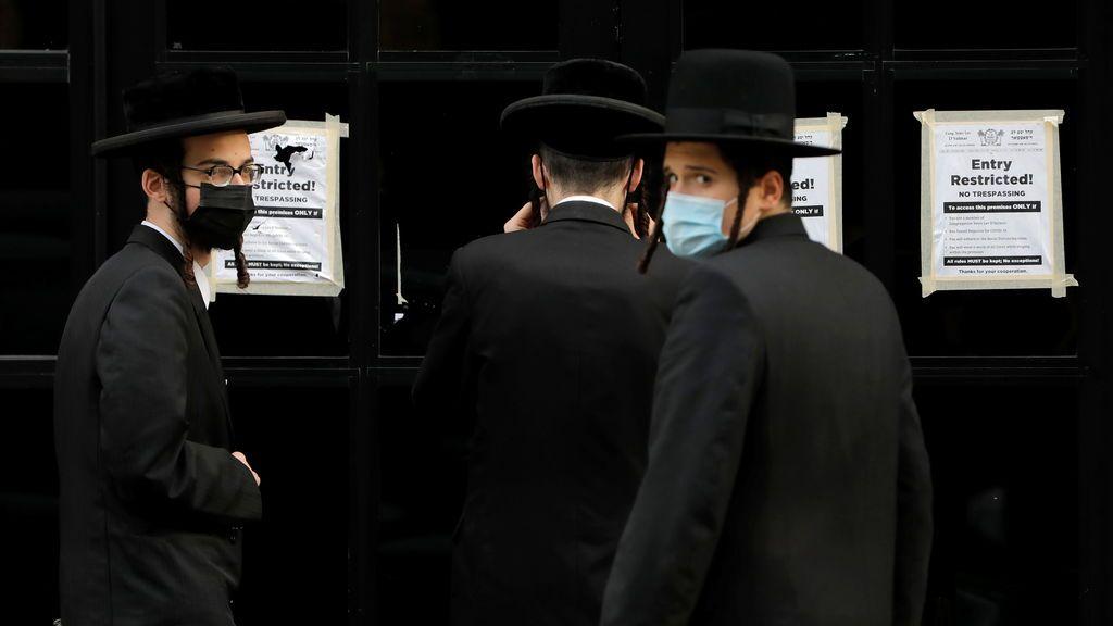 7.000 personas sin mascarillas en una boda judía: así fue la ceremonia secreta en una sinagoga de Brooklyn