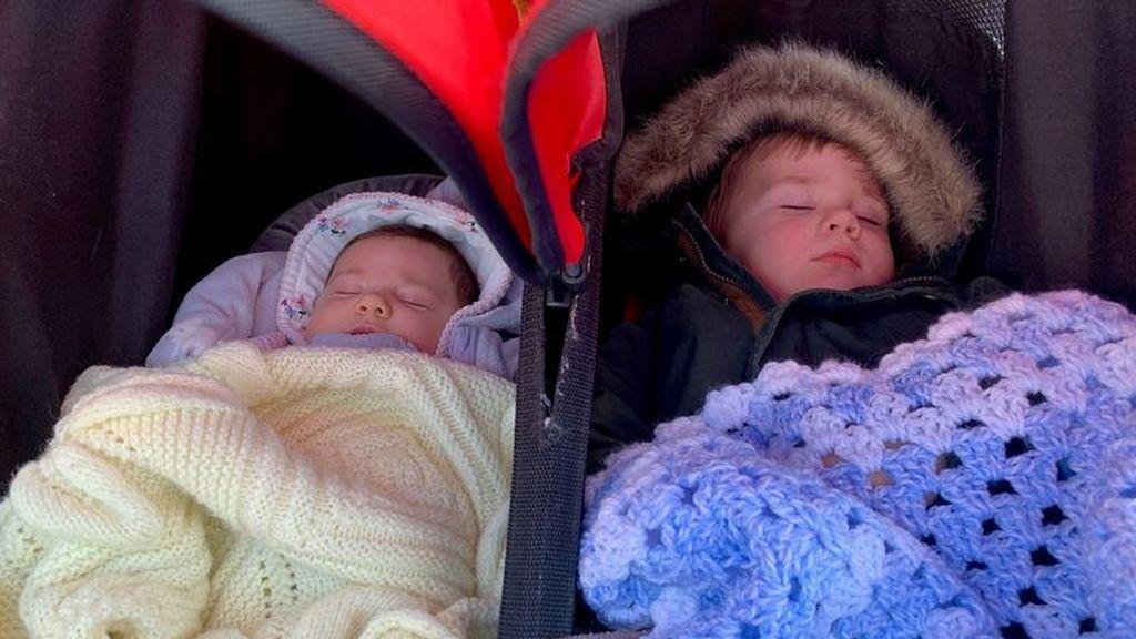 Una británica da a luz gemelos con dos años de diferencia