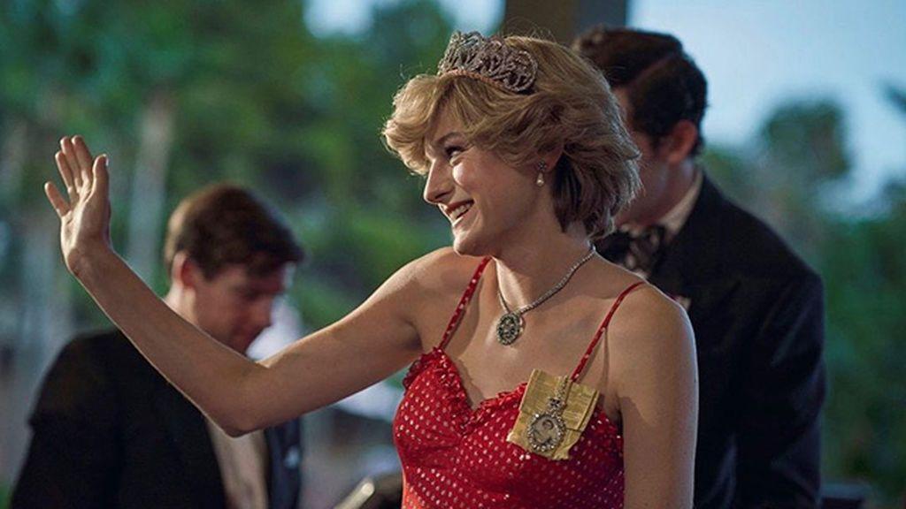 Emma Corrin: así es el estilo de la actriz que mejor ha encarnado a Lady Di