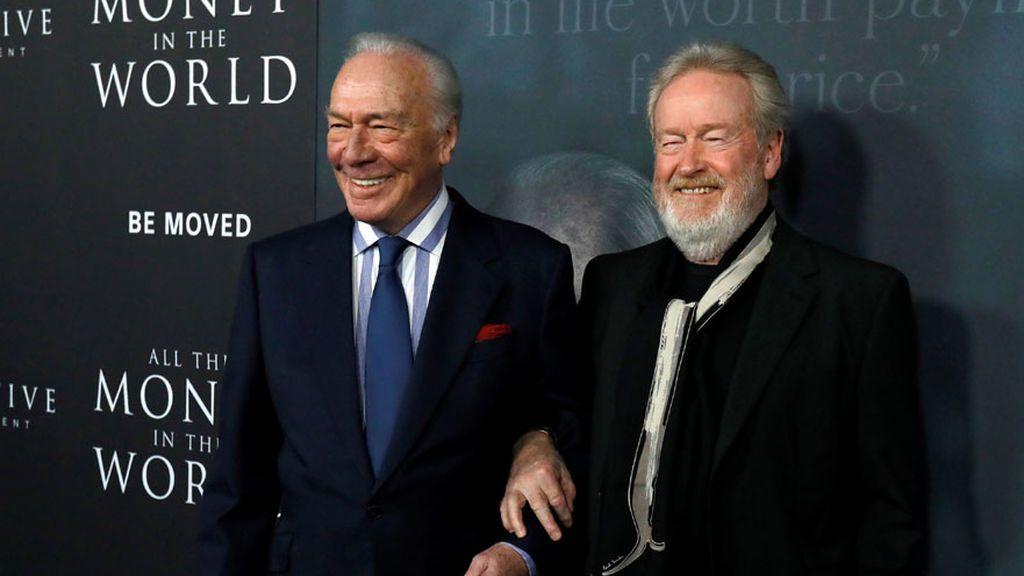 Christopher Plummer y Ridley Scott, en el estreno de 'Todo el dinero del mundo' (2017)