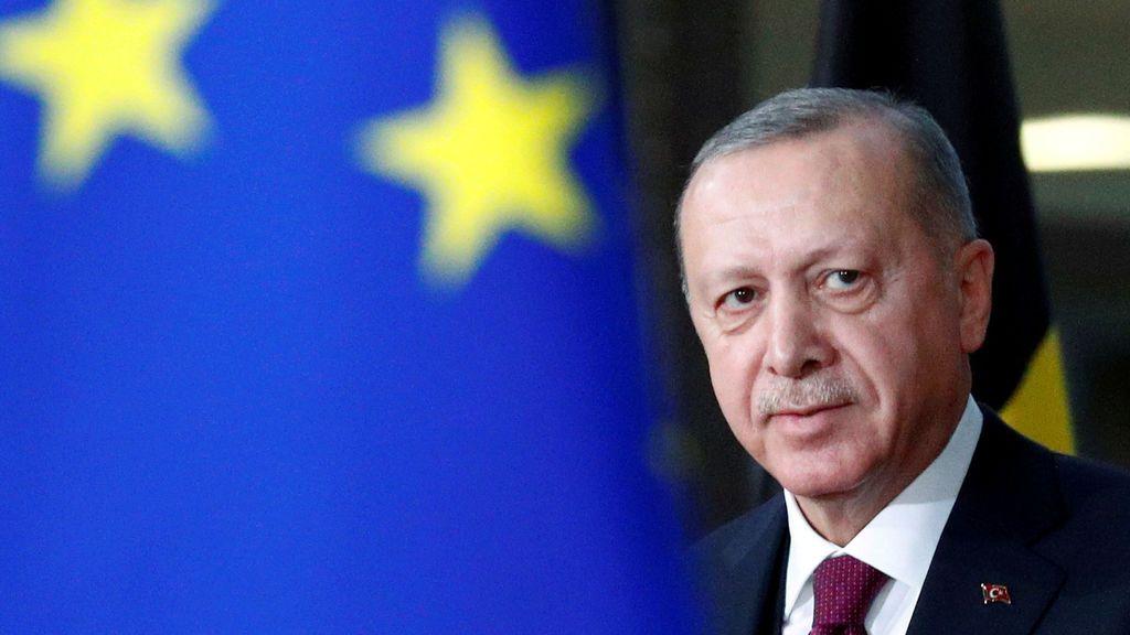 """Turquía pierde su último """"amigo"""" europeo y se enfrenta a sanciones"""