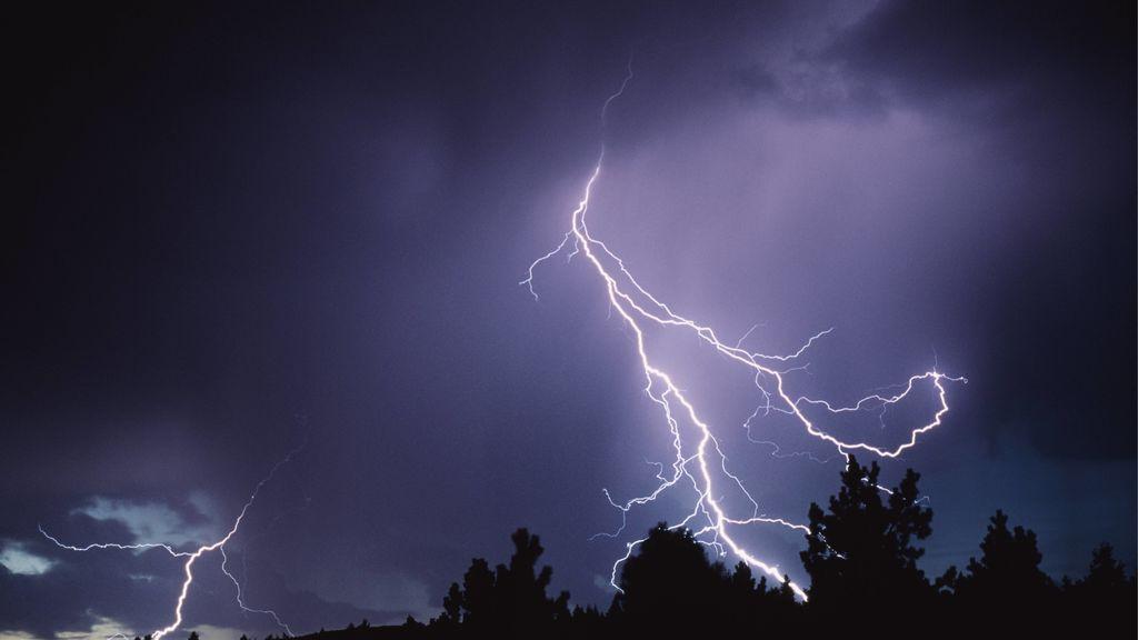 ¡Precaución! Una borrasca trae lluvias fuertes el miércoles a buena parte de España