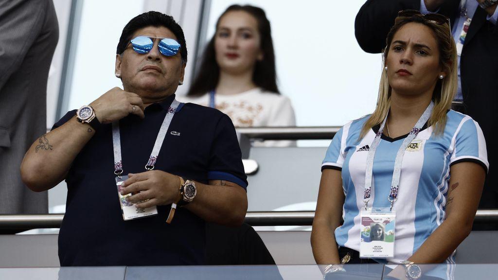 Maradona, con su mujer Rocío Oliva