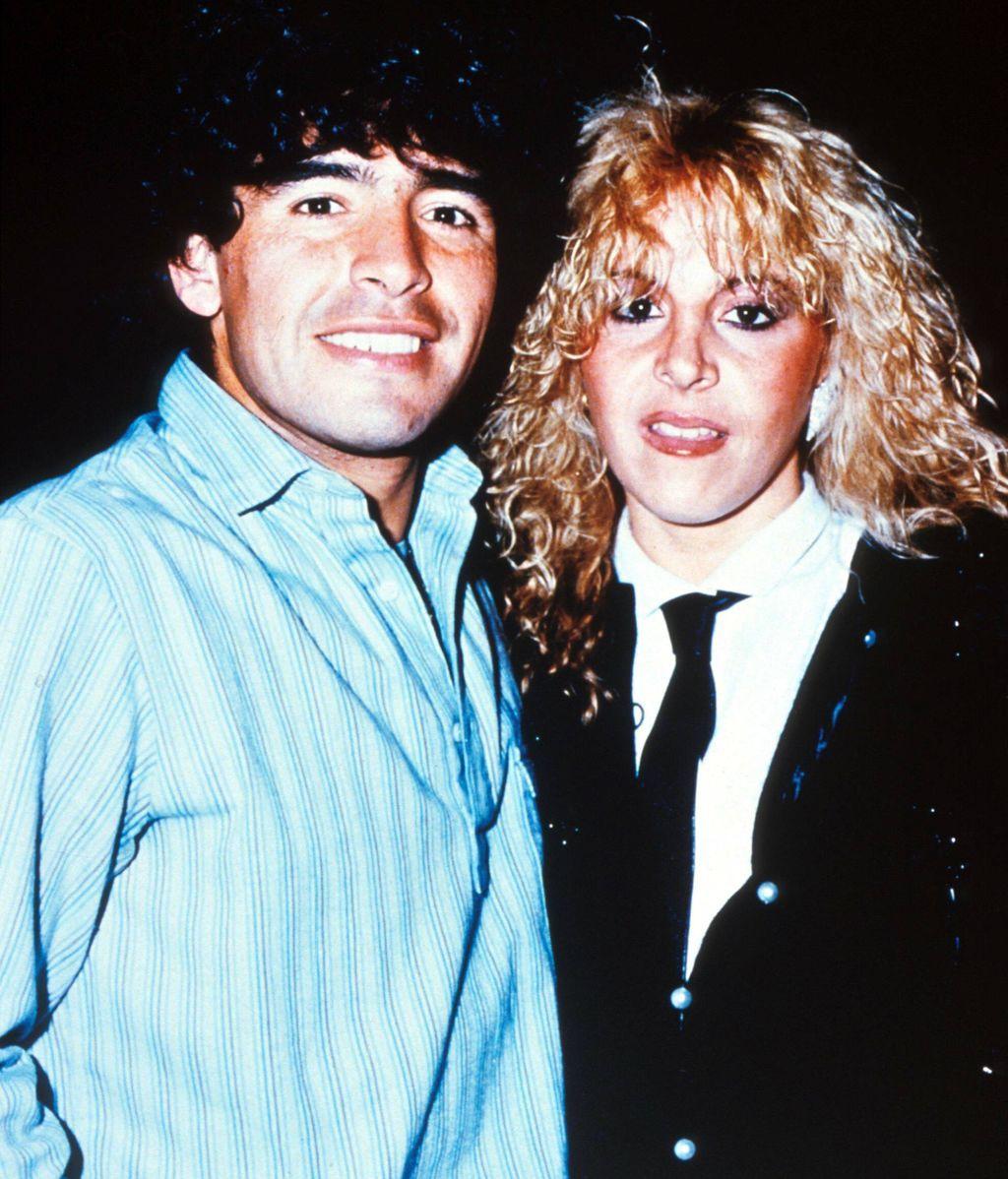 Maradona con su primera mujer, Claudia Villafane