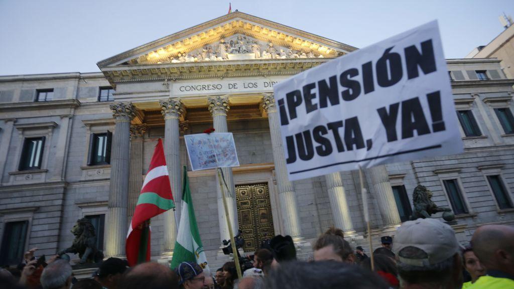 Hacienda recorta sin avisar la paga extra de Navidad de 75.000 pensionistas: ¿cómo puedo saber si me afecta?
