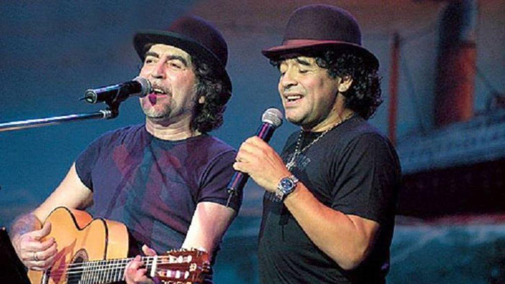 """Joaquín Sabina le dedica unos versos a Diego Armando Maradona: """"Loco, enfermo, cabrón, líbero en zona"""""""