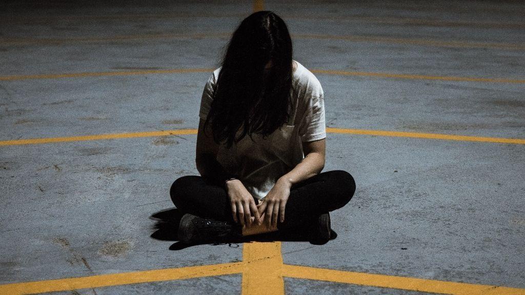 La peligrosa moda en los jóvenes de autolesionarse para buscar calma a través del dolor