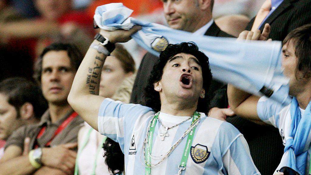 """Argentina llora a Maradona: """"Gracias por existir, Diego"""""""