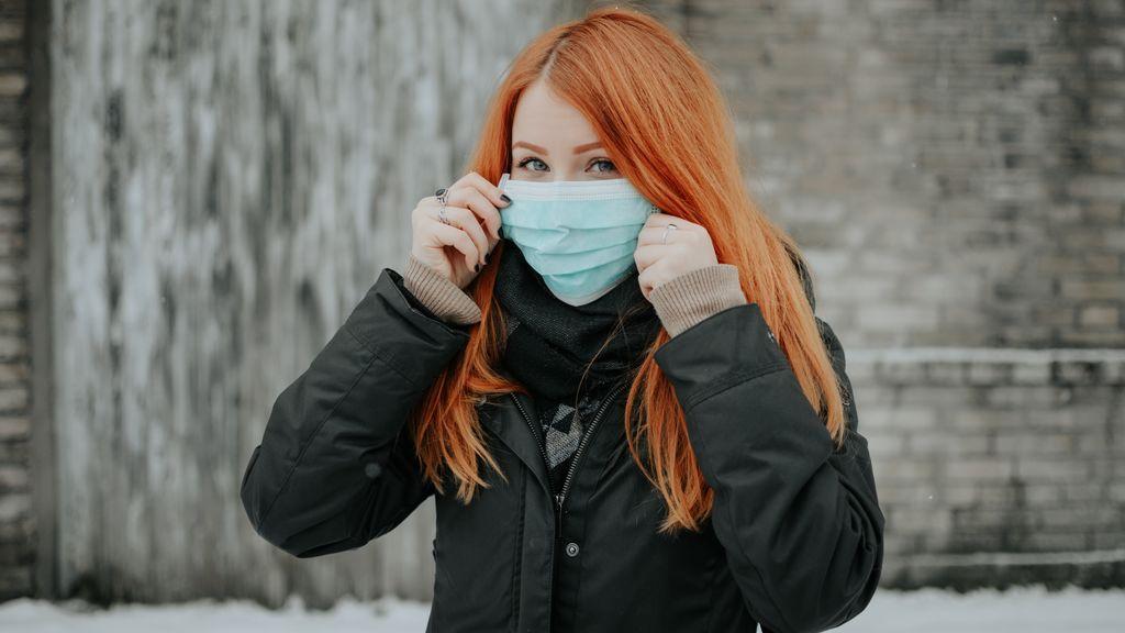 Las mejores mascarillas para pieles sensibles: cómo protegerte del Covid sin arriesgar la piel