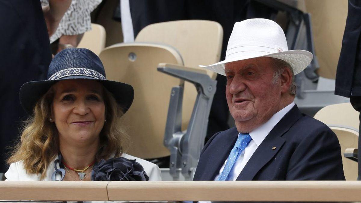 La infanta Elena visita al rey Juan Carlos en Abu Dabi cuando se cumplían 45 años de su coronación