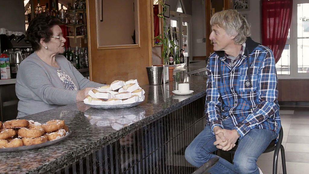 Reabrir el bar del pueblo en el que Calleja se hizo montañero, misión de 'Volando voy' en el último programa de la temporada
