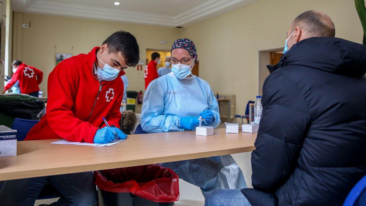 Madrid reduce los contagios a 1.371 y suma 32 muertos