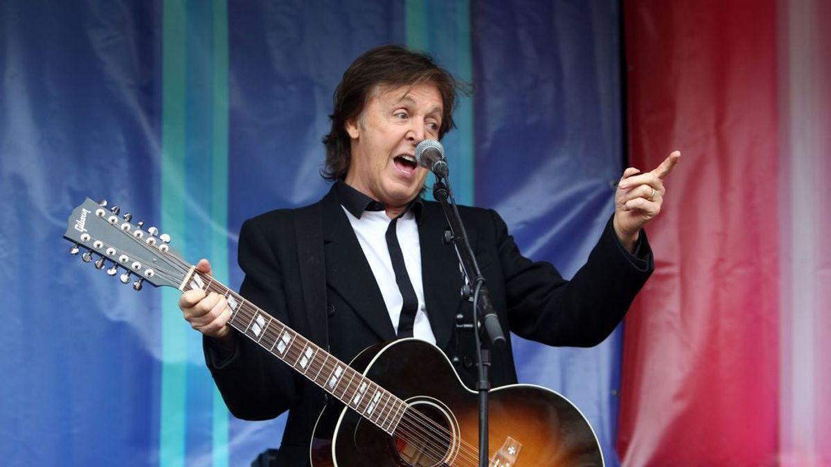 Paul McCartney usa telepromter en sus conciertos porque se le olvidan las canciones de los Beatles