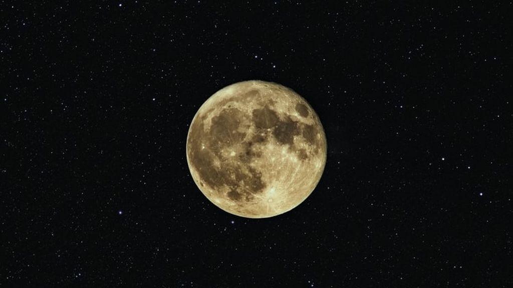 Última luna llena del otoño y eclipse lunar: cuándo son y en qué zonas de España podrán verse