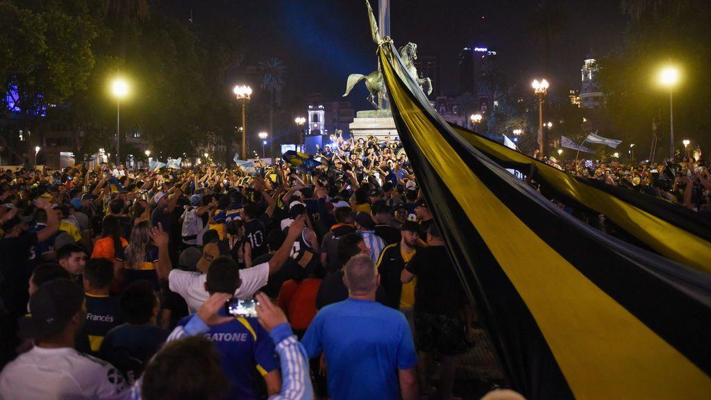 El féretro de Maradona llega a la Casa Rosada para su último adiós