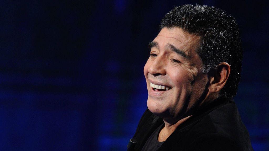 Diego Armando Maradona murió mientras dormía.