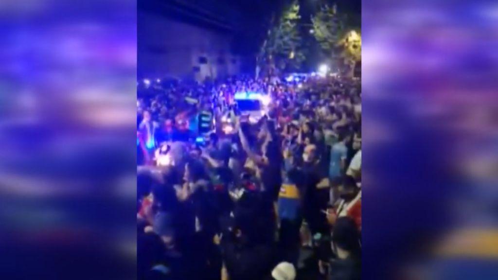 Miles de personas a las puertas de la morgue