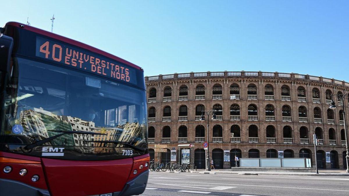 Un niño de cinco años atropellado por un autobús en Valencia