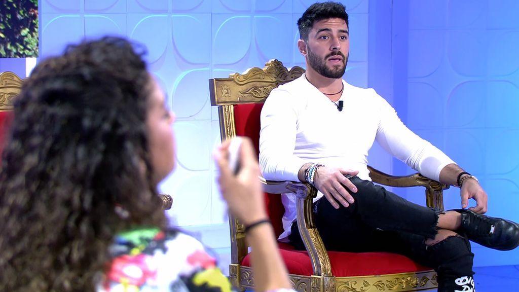 Josué 'pilla' a Zoe criticándole con sus amigos y su ex