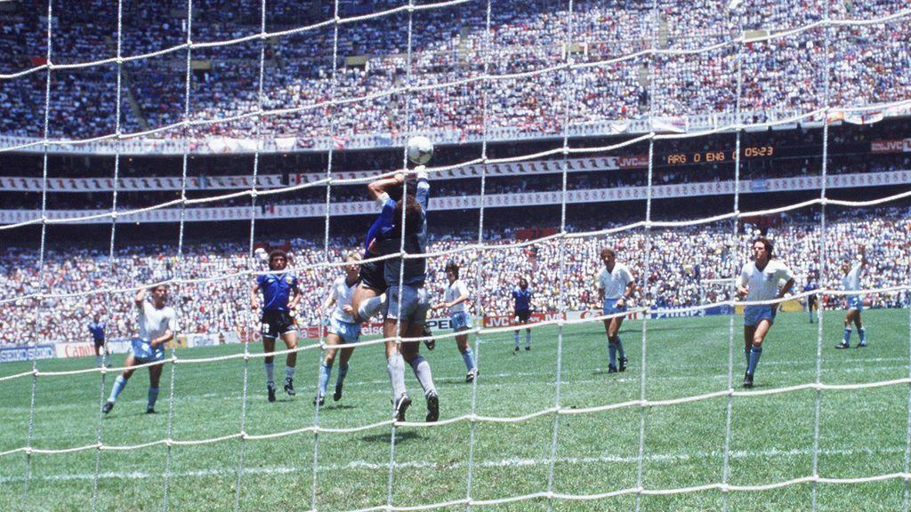 """Peter Shilton, el portero al que Maradona marcó con la mano: """"Nunca me pidió perdón, le habría estrechado la mano"""""""