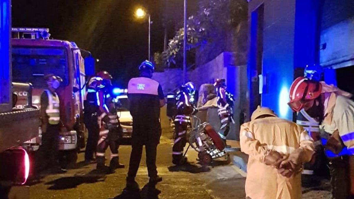 Herido un joven que dormía en un contenedor al caer en la compactadora de un camión de basura en Canarias