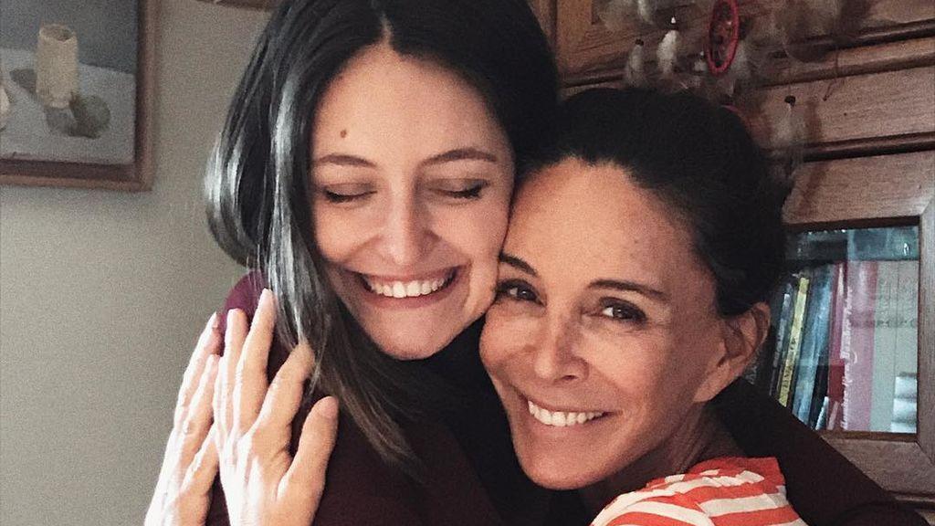 """Andy Molina, hija de Lydia Bosch, sobre el cáncer de piel de su madre: """"Lección aprendida"""""""