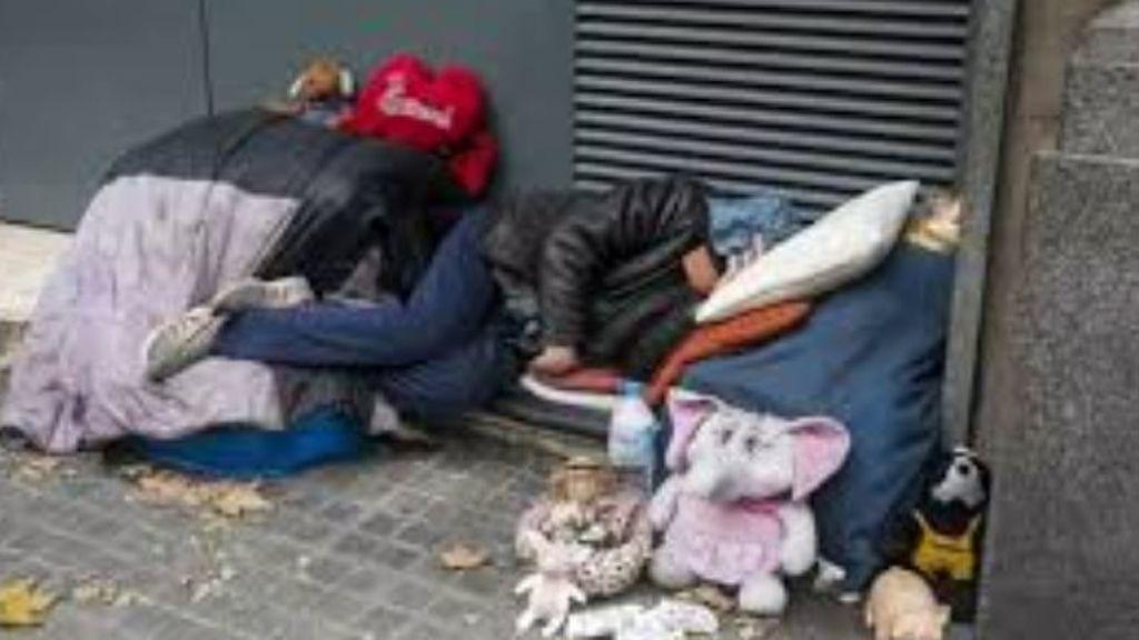Los sintechos en Barcelona: 400 personas duermen en la calle en plena pandemia de coronavirus