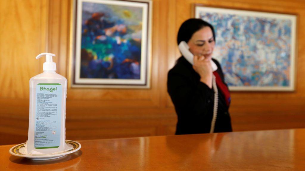 Una empleada de un hotel sufre un infarto tras ser escupida por un cliente que se negó a usar mascarilla
