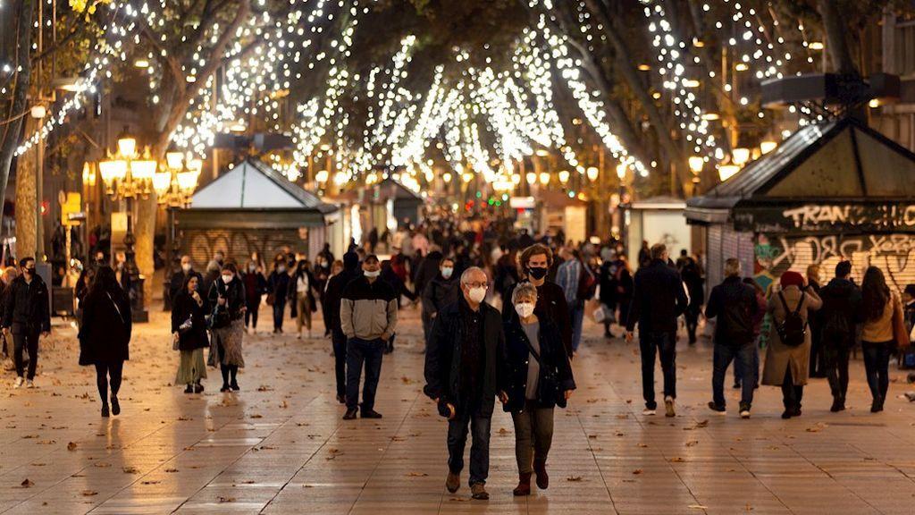 España constata el descenso de los contagios pero encara el mes de diciembre con optimismo contenido