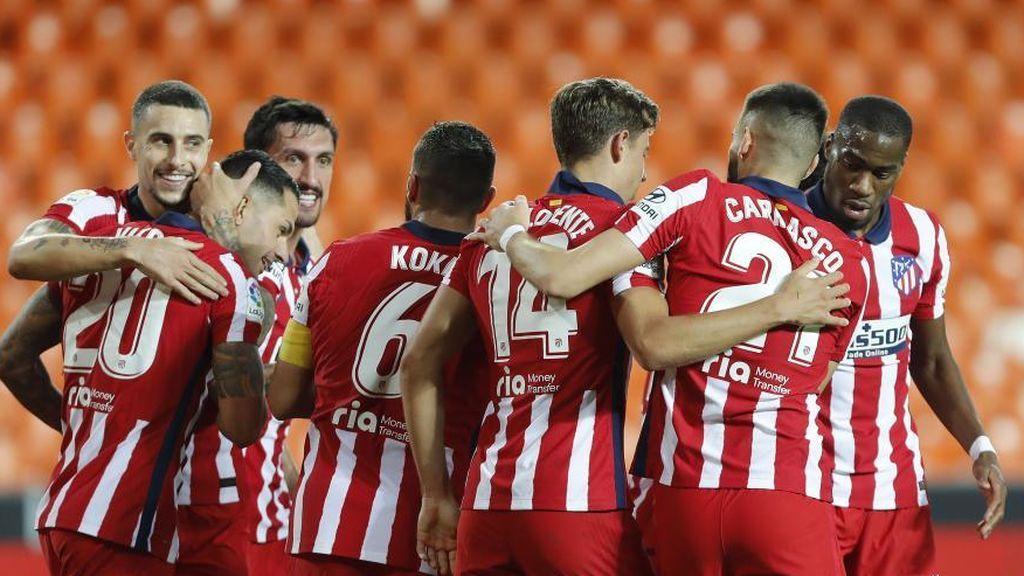 El Atlético gana al Valencia en Mestalla y confirma su candidatura a llevarse la Liga (0-1)