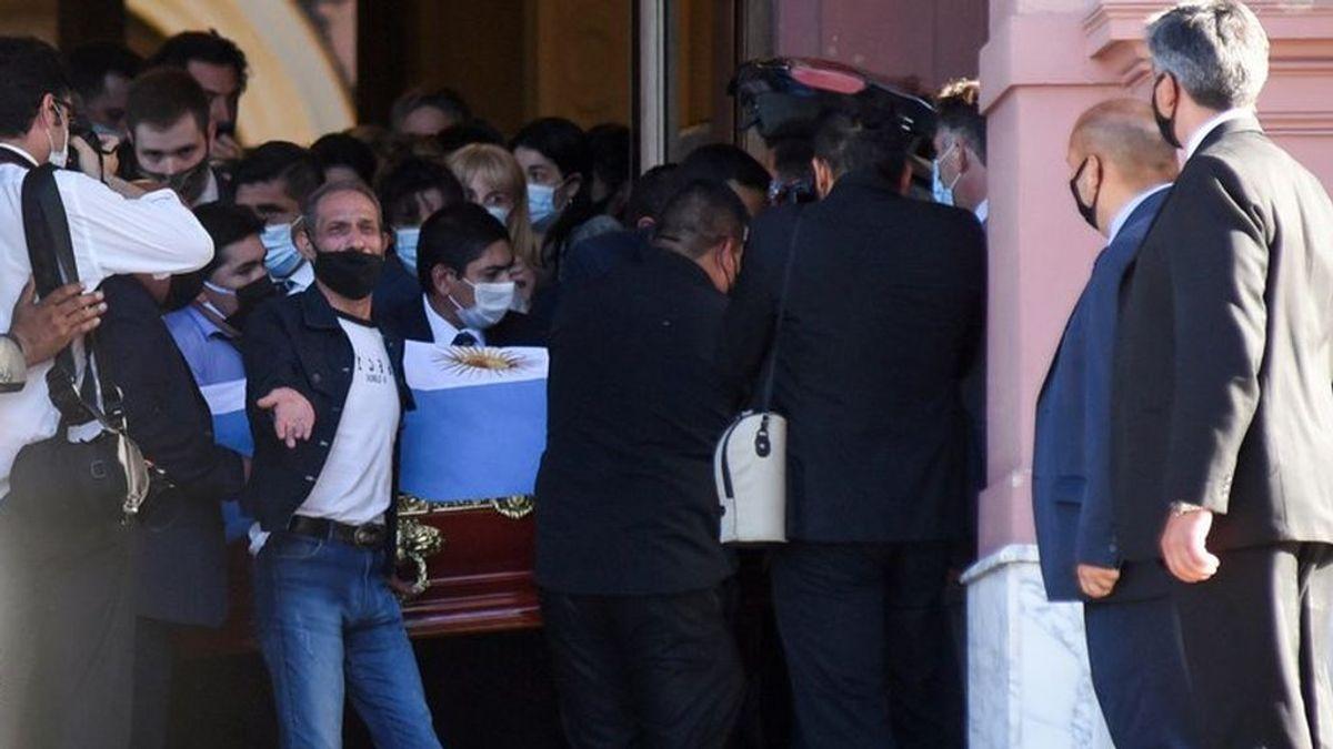 """Hugo Maradona cuenta cómo se enteró de la muerte de su hermano: """"Me lo dijo el que vende cigarrillos"""""""
