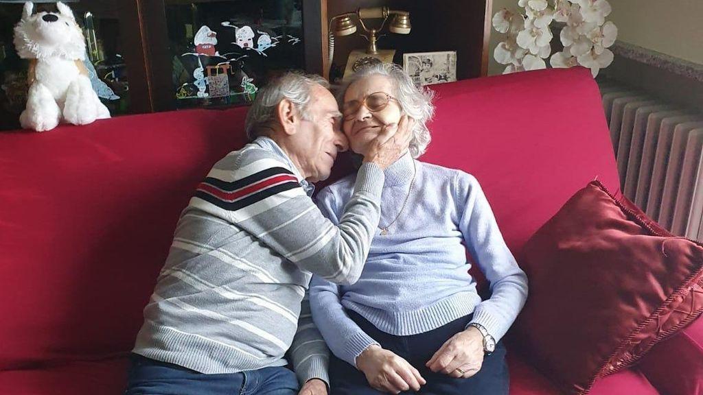 Muere de coronavirus la mujer del anciano que le cantaba serenatas desde fuera del hospital