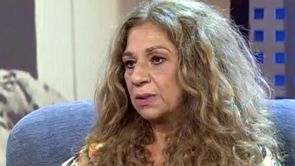 Lolita suspende su función en Murcia
